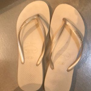 Gold havaianas size 37-38